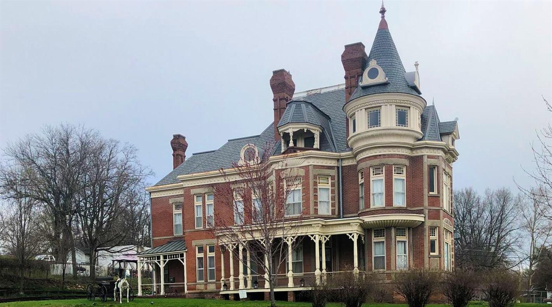 1889 McInteer Villa