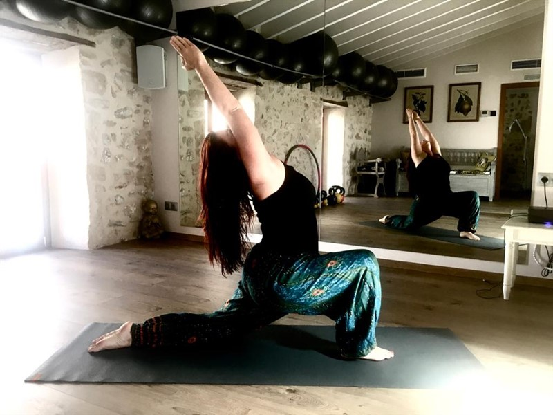 Get Information and buy tickets to Sun Power Yoga con Sylvia Carlow  on Jimmy's Exclusive Club and Bar